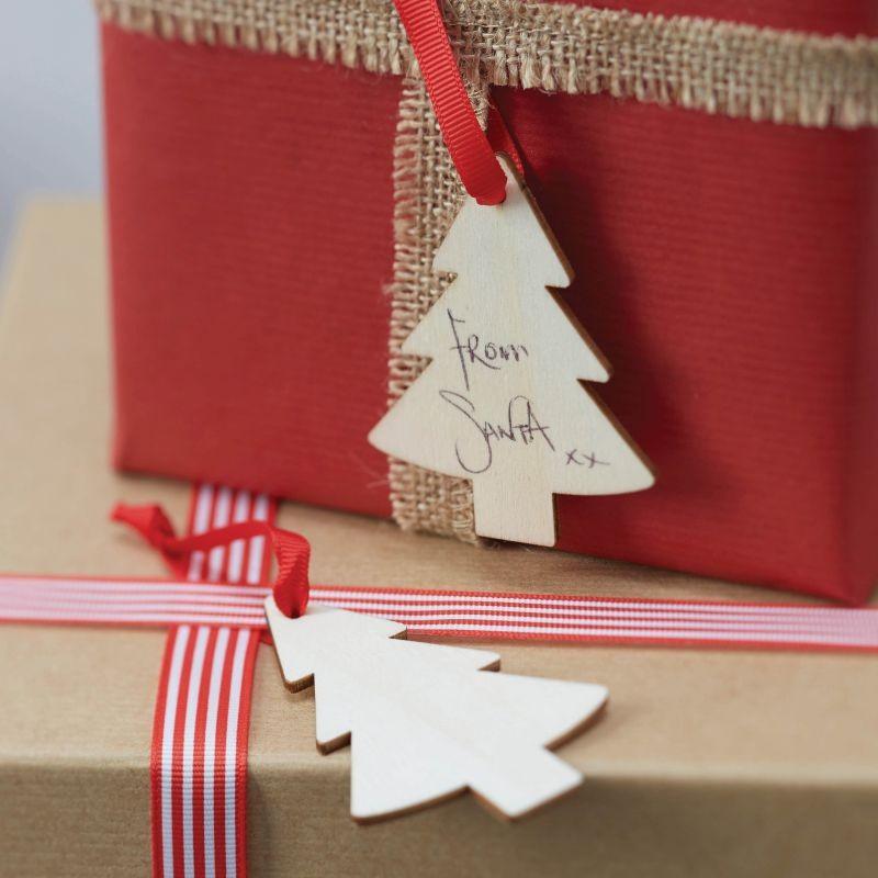 Til og fra kort i træ Juletræ